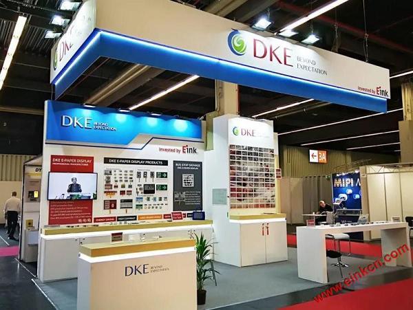 E Ink合作伙伴DKE东方科脉在德国Embedded world 2019 展出柔性基板电子纸产品 电子墨水屏新闻 第4张