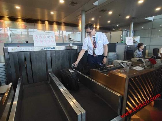 东航正式发放全球首张无源型永久电子行李牌!先在京沪航线试用 智能标签 第3张