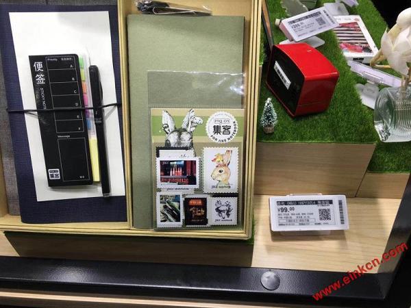 扬州万达广场里京东之家使用E Ink ESL电子货架标签 智能标签 第1张
