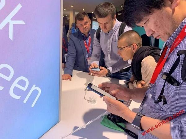海信手机亮相IFA2019 ,多款新品大秀科技创新力! 电子墨水屏手机 第5张