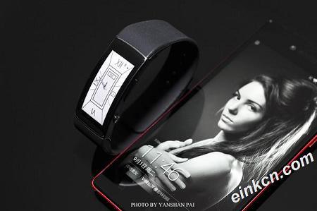 全面评测联想首款智能手环VB10到底值不值 采用1.43寸墨水屏