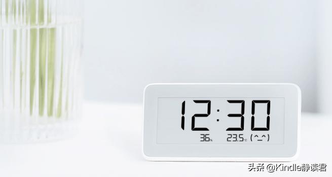 总爱抢戏的小背景!当墨水屏做成温湿度电子表,颜值爆表