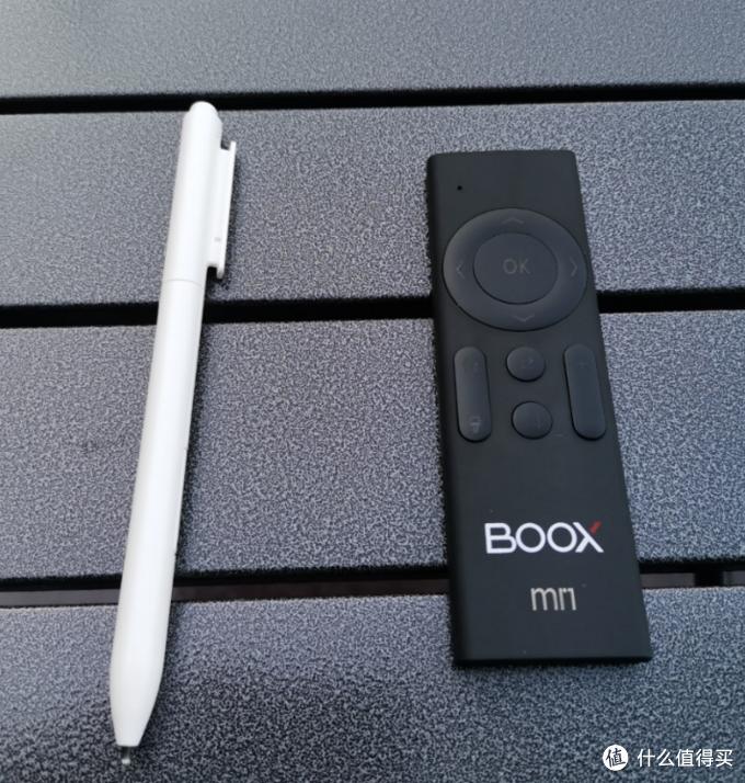 白色电磁笔为附送