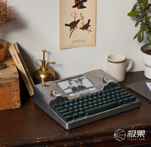 """智能""""码字神器""""来了!墨水屏+机械键盘,还能连wifi,上市就卖光 智能""""码字神器""""来了!墨水屏+机械键盘,还能连wifi,上市就卖光  电子墨水 电子纸 电子墨水屏 EINK 墨水屏 水墨屏 川奇光电 eink 元太科技 墨水屏打字机 电子纸打字机 电子纸码字神器 第12张"""